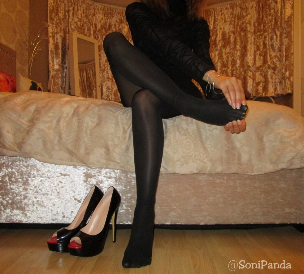 212ecc9748c0d sonipandablog – Page 11 – Fashion Blogger With A Twist | Hosiery ...